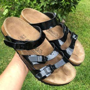 Birkis Black sandal. 💓